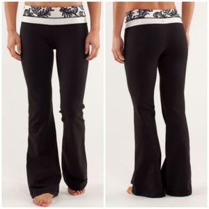 Lululemon Laceoflage Groove Flare Yoga Pants